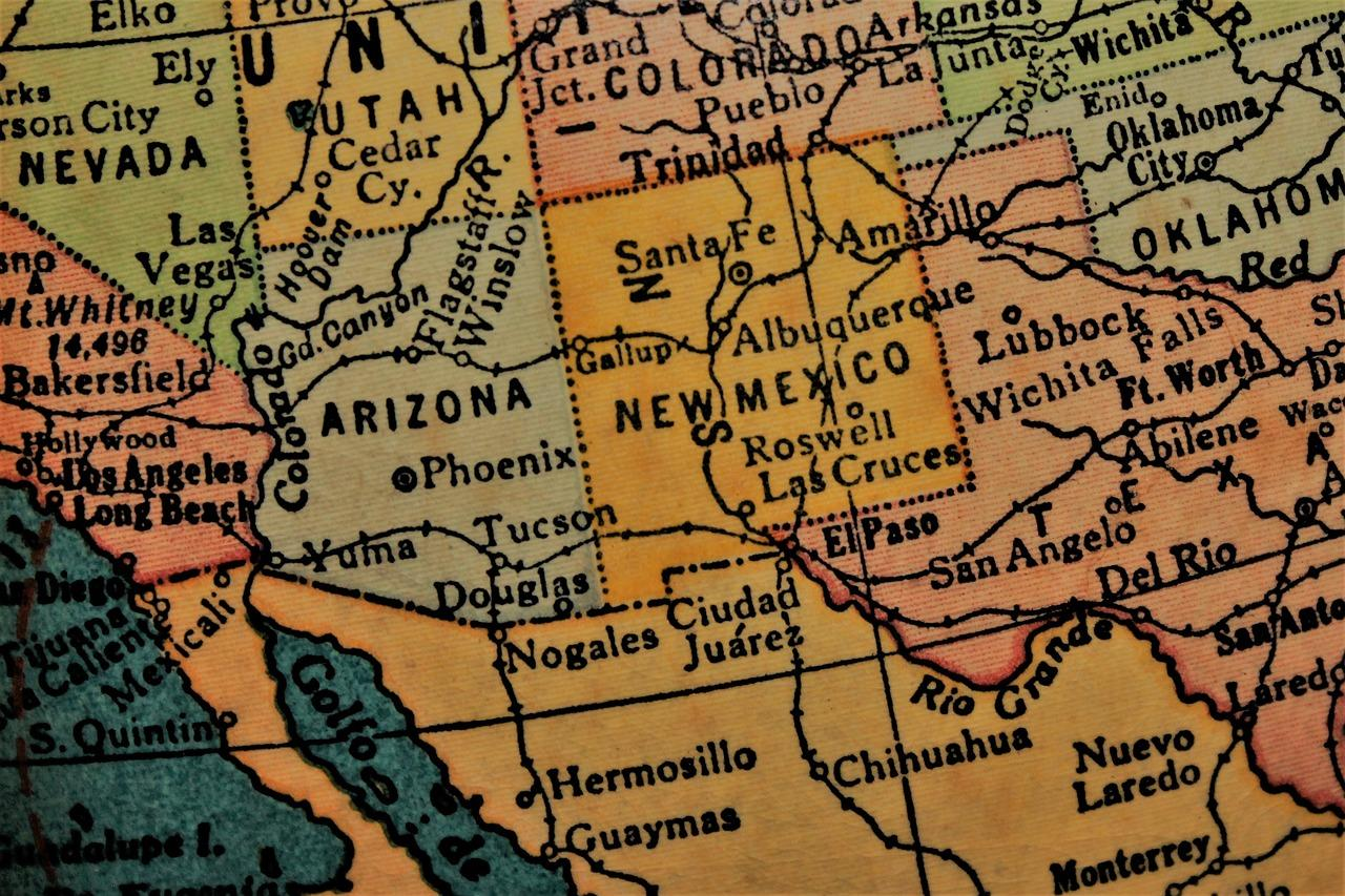 Illustration of a map of U.S.-Mexico border along the states of Texas, New Mexico, Arizona, and California.